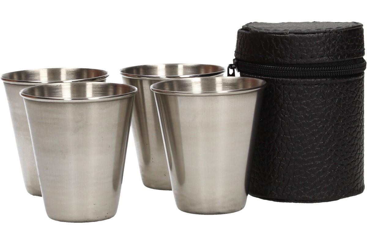 Foto 1 - Malé kovové nerez panáky na alkohol 6x5 cm 4 kusy v pouzdře jsou díky svojí variabilitě vhodné pro kempování a výlety. Využijte naší nabídky!