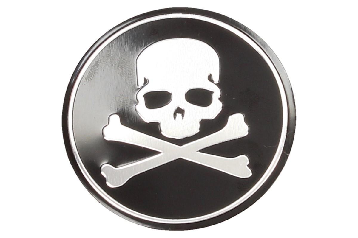 Foto 1 - Kovová samolepka lebka se skříženými hnáty černá o průměru 5,5 cm, je vhodná pro nalepení na Váš vůz, děckého pokoje nebo na karavan s dlouhou životností