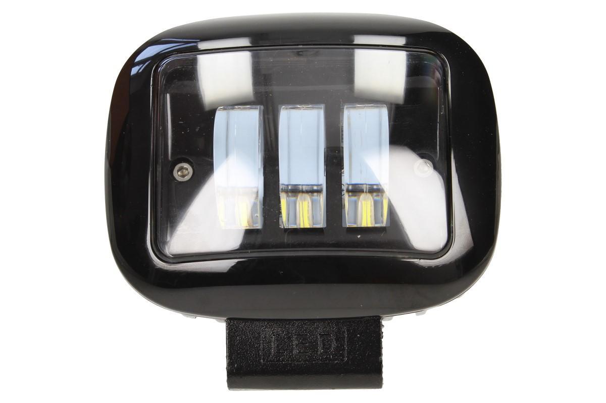 Foto 1 - LED přídavný reflektor do auta 12V F68 NAPROSTO IDEÁLNÍ do garáže do temných prostorů a do dílny. Světlo je ideální i na auta, lodě nebo i traktory.