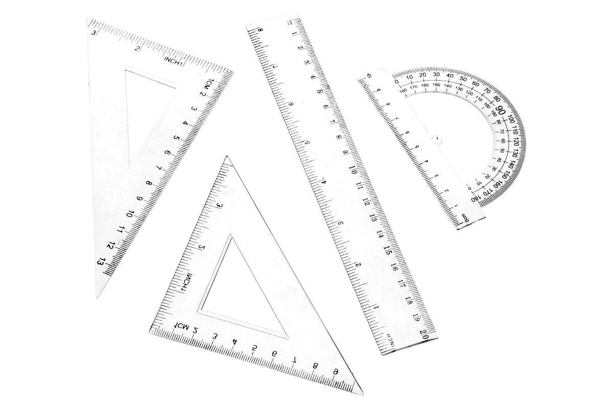 Foto 1 - Sada pravítek 4 kusy je vhodná do školy na geometrii, matematiku, do kanceláře na rýsování tabulek, na doma, do práce i do dílny na přesné a pravoúhlé kreslení čar..