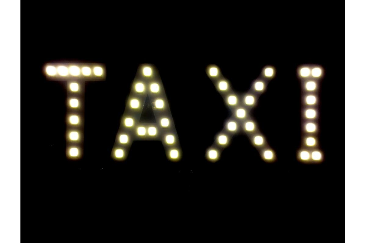 Foto 7 - LED světelná značka taxi 14 x 7 cm